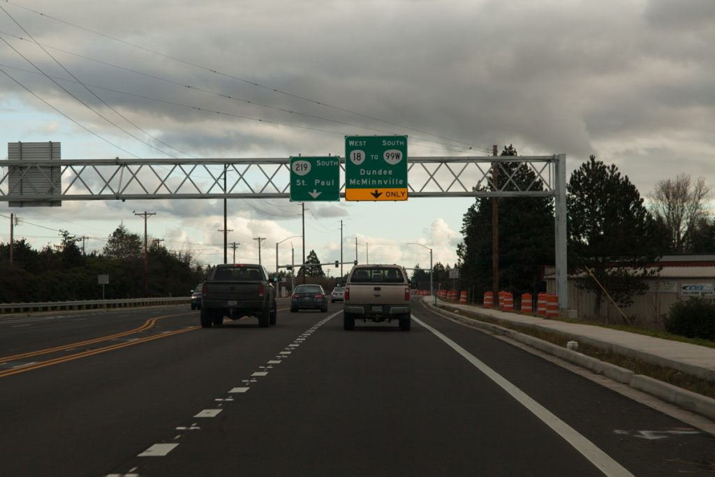 Another overhead gantry on OR-219 south for the upcoming turn onto the bypass proper.